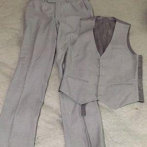 Men's slim fit Caravelli Vest and pant set.